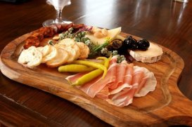 Michaels-Tasting-Room-Charcuterie